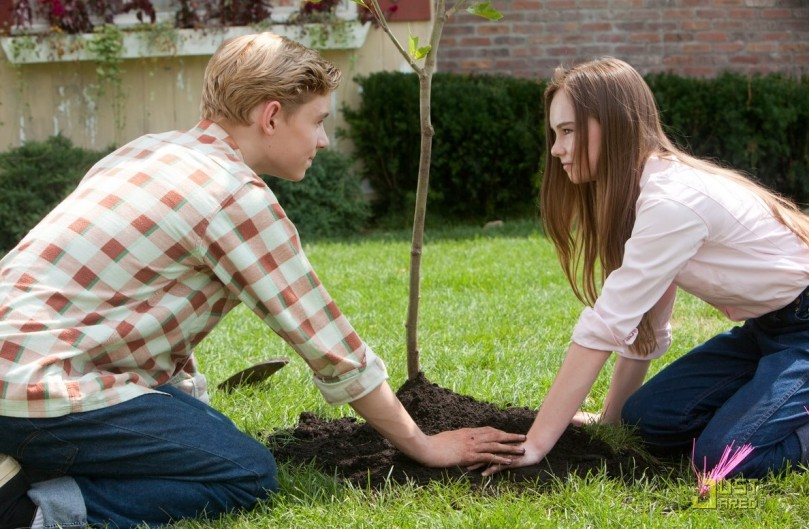 Flipped Madeline Carroll and Callan McAuliffe (2).jpg
