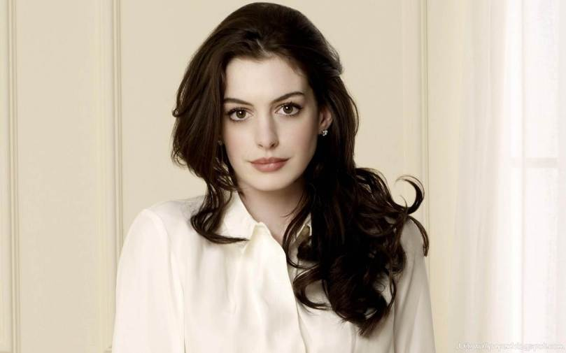 beautiful-anne-hathaway-11.jpg